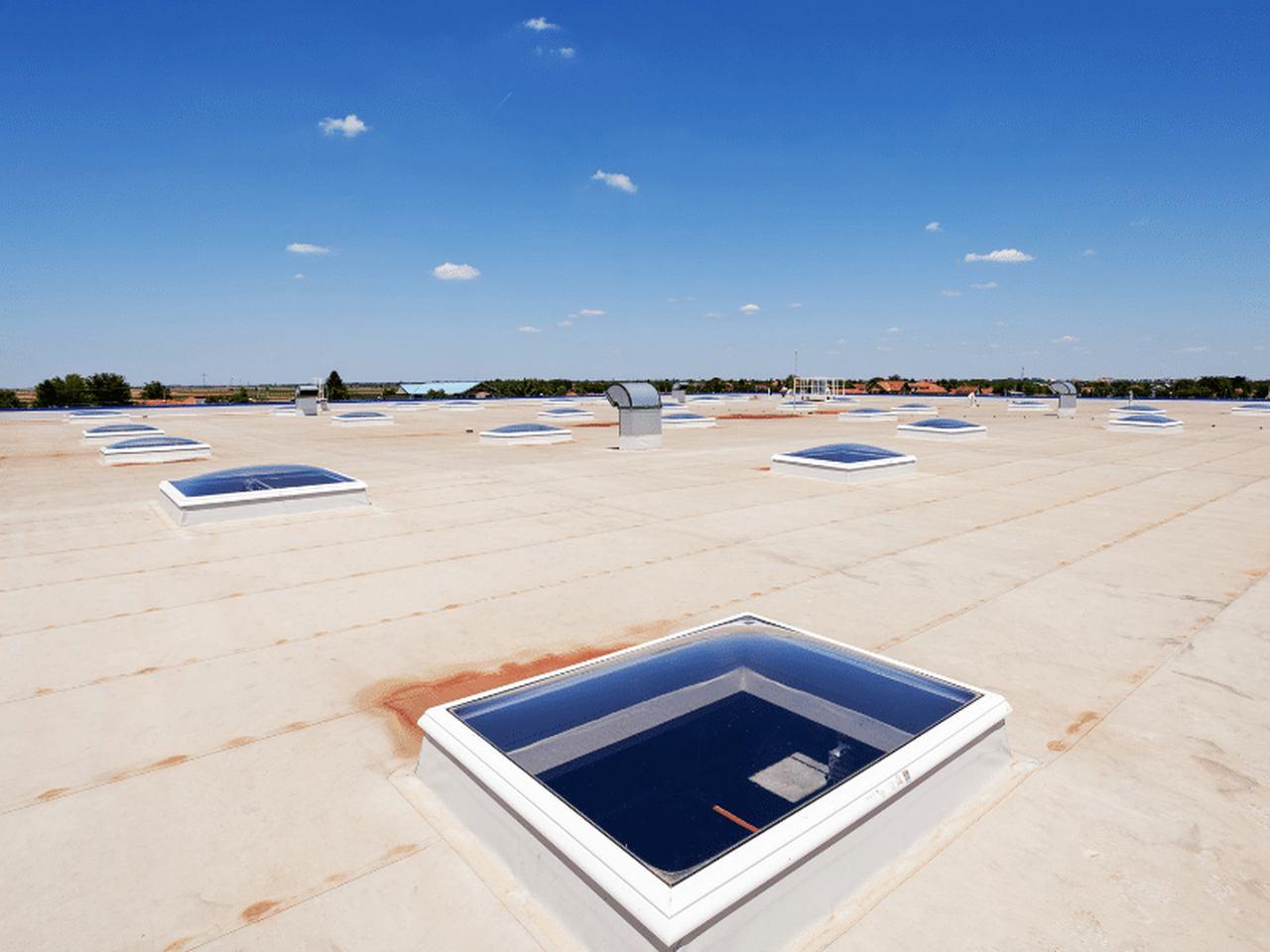 zabezpieczanie dachu przed ciepłem
